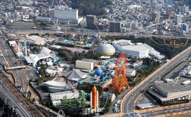 上空から見たスペースワールド=2013年1月、朝日新聞社ヘリから撮影