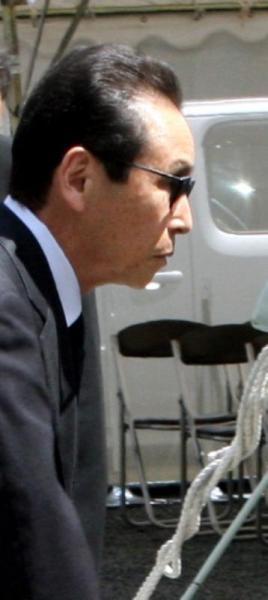 赤塚不二夫さん葬儀に参列したタモリさん=2008年8月7日、東京都中野区の宝仙寺