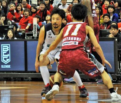 バスケットボールは「籠球」。写真は栃木ブレックスの田臥勇太選手(手前から2人目)