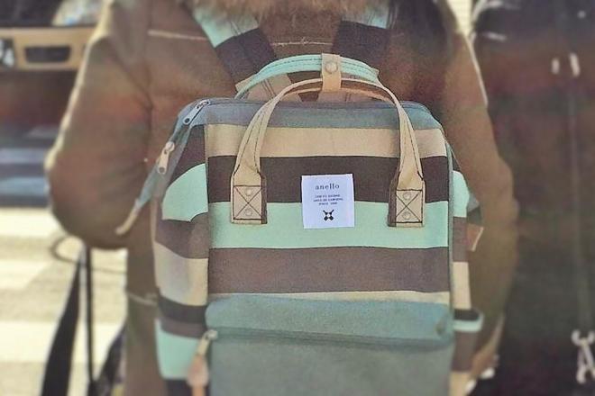 築地で見かけたアネロのバッグを愛用する外国人観光客