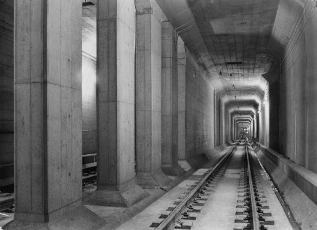 地下鉄方式で建設中の東急新玉川線渋谷―二子玉川区間=1976年2月
