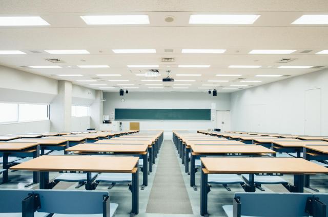 教室(写真はイメージです)