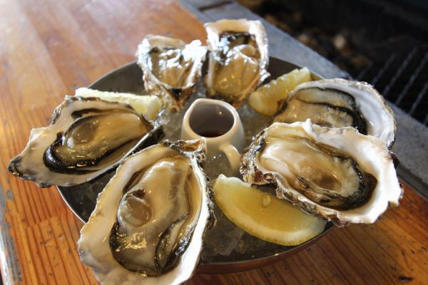 「厚岸グルメパーク」の牡蠣。場内で食べられるほか、地方発送も可能