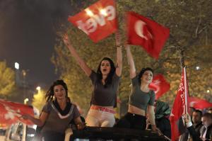 トルコは、なぜ選挙で「独裁」を選んだのか...