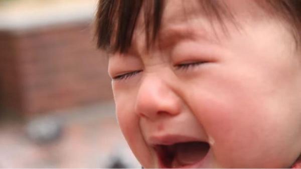 「#泣くのが仕事」プロジェクトの動画の一場面