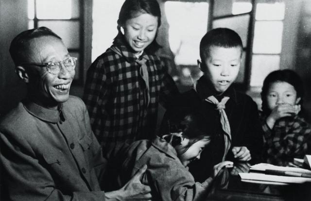 ラストエンペラー愛新覚羅・溥儀と幼少期の王昭氏兄弟たち