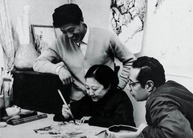 王昭氏と画家の両親