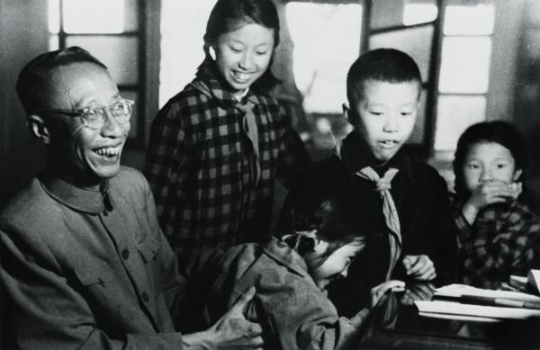 ラストエンペラー愛新覚羅・溥儀と、幼少期の王昭さんと兄弟たち