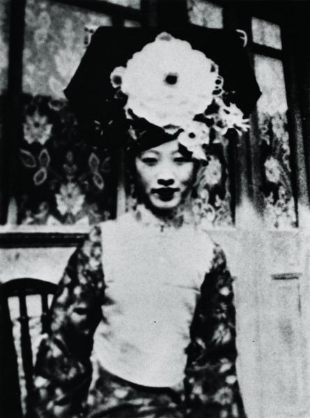 王昭氏の母親愛新覚羅・溥韞娯(プユンユ)さんは、ラストエンペラー愛新覚羅・溥儀の六番目の妹