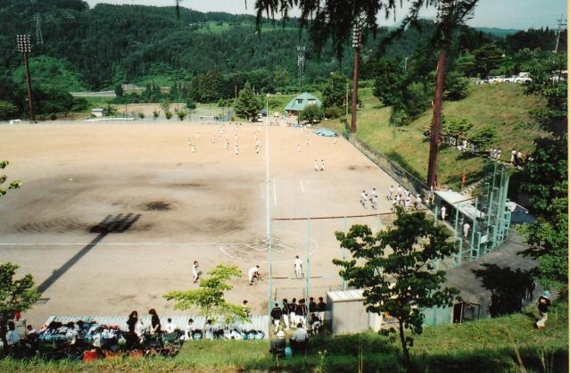 中堅までの距離が137.7メートルあり、斉藤さんが把握する限り「日本一広い」という長野県中野市営豊田野球場