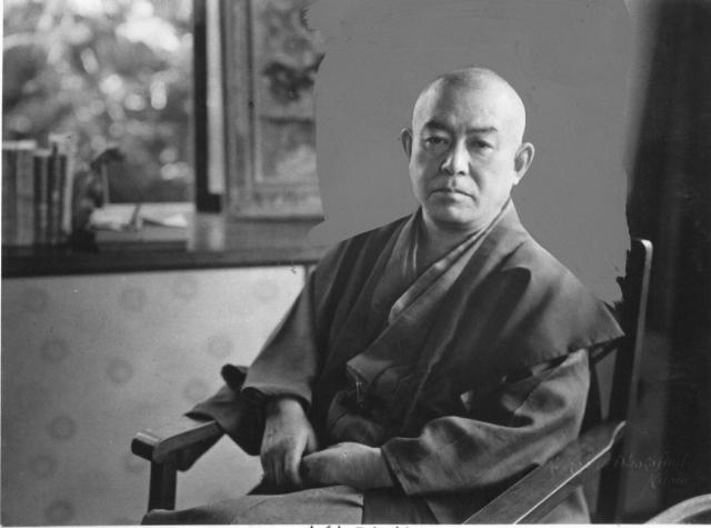 タトゥー裁判で朗読された『刺青』を書いた谷崎潤一郎=1949年