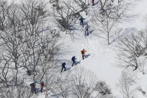 雪崩「警報」がないのはなぜ? 栃木の事故、「注意報」出ていたが…