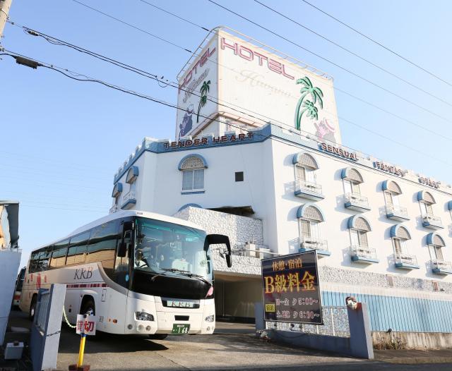 ラブホテルから模様替えしたホテル=2016年2月、愛知県稲沢市