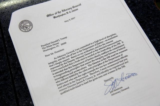 セッションズ司法長官がトランプ大統領に宛てた、コミーFBI長官解任の「助言」