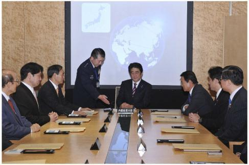 国家安全保障会議・四大臣会合の様子(内閣広報室撮影)