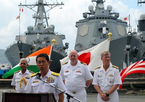 米海軍、インド海軍と共同訓練する海上自衛隊=2014年、長崎県佐世保市