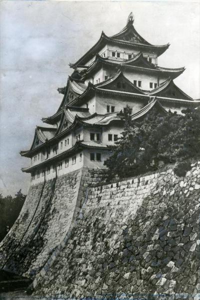 1945年5月の空襲で焼失する前の名古屋城