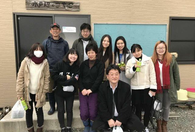 春山さんの新会社では、日中双方の企業から消費文化のモニタリングなどを受託し、日本語高度人材の就労と育成の場をつくろうとしている。この3月には、秋から入社の学生も来日し、全員で大都市だけでなく、南三陸町も訪れ、環境施策・地域観光などを学んだ。