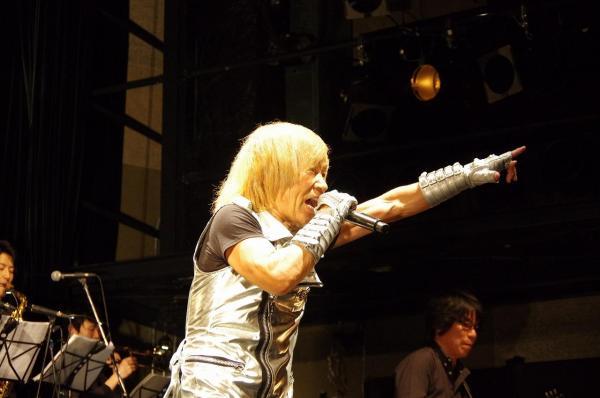串田アキラさんの情熱的なライブパフォーマンス