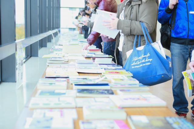 2016年11月に開かれた第二十三回文学フリマ東京の様子