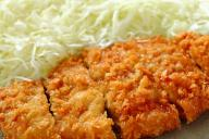 改宗を決めた日にトンカツを食べたものの…今も「ジロリアン」という日本人男性