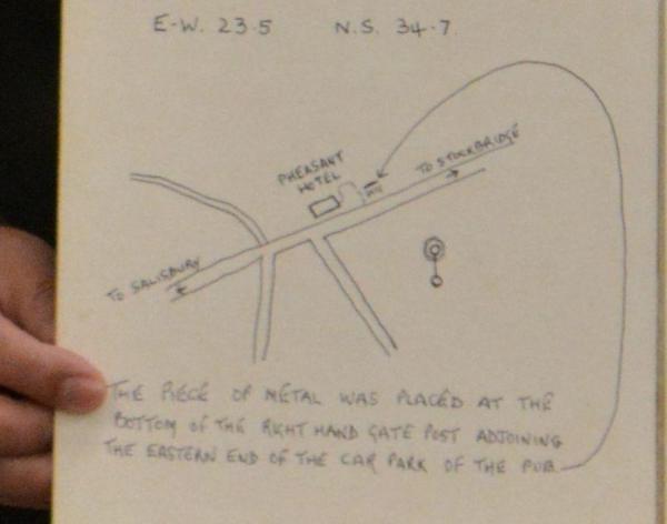 イギリスのミステリーサークルの「設計図」。制作していた本人が自分たちが作ったことを証明するために作ったという貴重な品