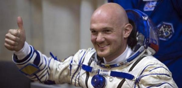 宇宙から撮影された「最も悲しい写真」を投稿したアレクサンダー・ガーストさん=ロイター