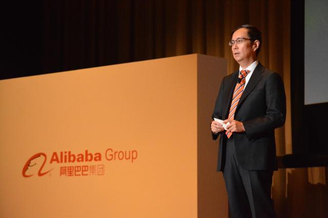 東京都内で開かれたアリババの主催イベントで、プレゼンテーションをするダニエル・チャン氏=5月25日