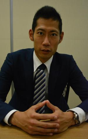 「できない理由を作るな。できる理由を考えよう」と語る菊池康平さん=5月19日、東京都中央区