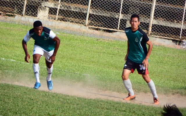 カンボジアでプレーする菊池康平さん=菊池さん提供