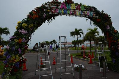 AKB総選挙の準備が進められていた豊崎美らSUNビーチ=6月15日、沖縄県豊見城市