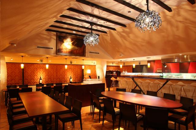 「セルバンテス文化センター東京」7階にあるレストラン「メソン・セルバンテス」。本場の味が気軽に楽しめます。