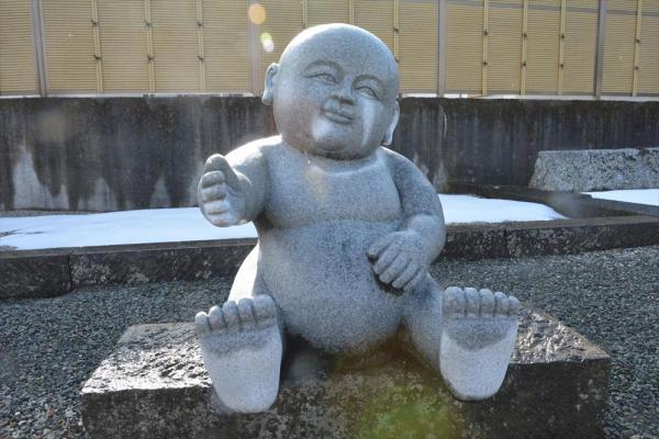 福井県越前市の宝円寺にあるユニークなお地蔵さん