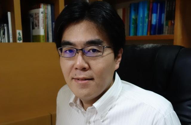 香港研究が専門、立教大学法学部の倉田徹教授