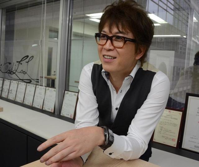 「整形が増えているのは、SNSの影響」と語る富田聡さん