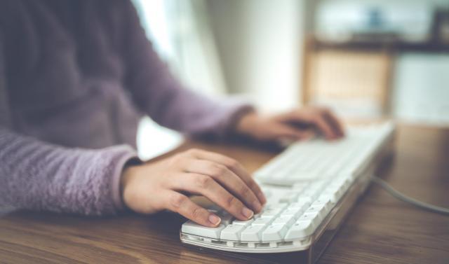 就活をきっかけにメールの送り方のマナーも覚えたといいます。(写真はイメージです)
