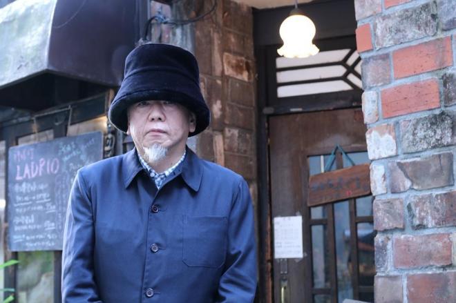 スポーツと音楽を「そんなに遠いものではない気がする」と語る小西康陽さん=戸田拓撮影
