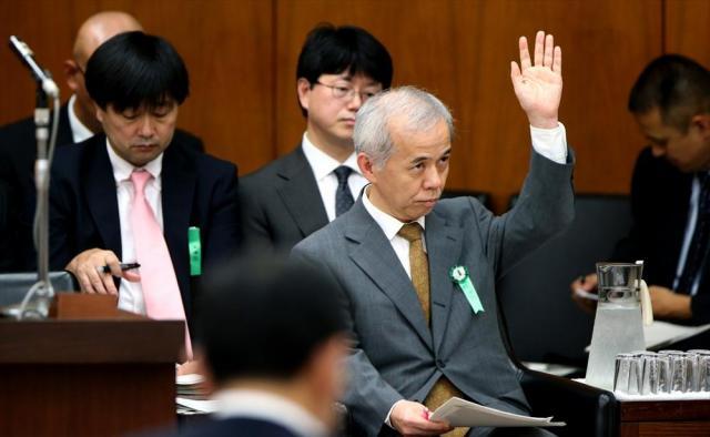 2013年9月27日にあった衆院経済産業委員会の閉会中審査。参考人として出席し、議員からの質問に答える東京電力の広瀬直己社長