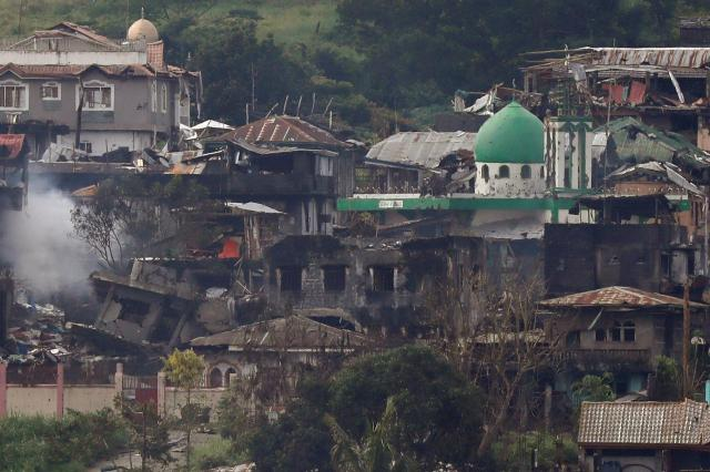 戦闘で破壊されたフィリピン南部マラウィの市街地=2017年6月28日