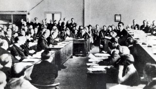 ジュネーブの国際連盟総会でリットン調査団の報告案採択後、重大声明を発表する松岡洋右国連首席全権=1933年