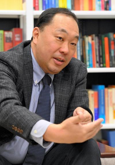 神戸大学大学院の簑原俊洋教授