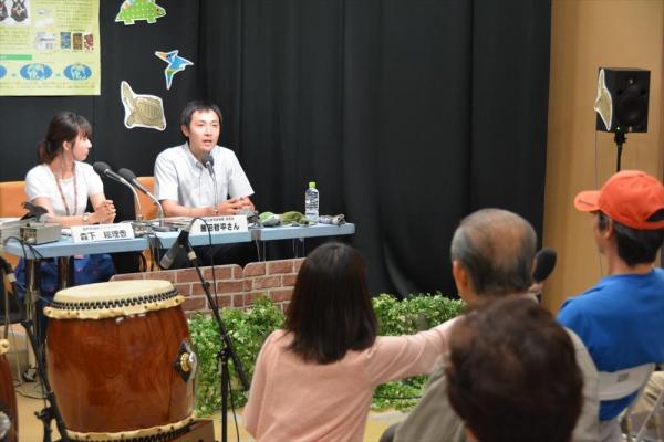 ラジオの会場からは質問が飛んだ=NHK福井放送局