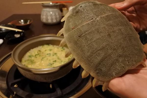 スッポン鍋。締めの雑炊が絶品=福井市