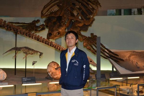 薗田哲平さん=福井県立恐竜博物館