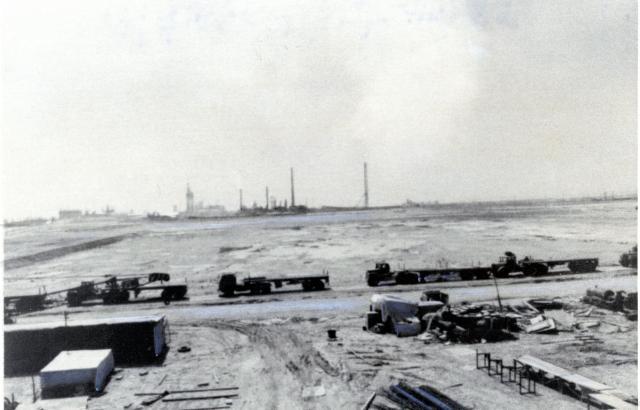 1977年、三井グループのイラン・石油化学工場建設予定地。三井物産など三井グループがイラン・パンダルシャプール地区に石油化学工場を建設する計画が進んでいた