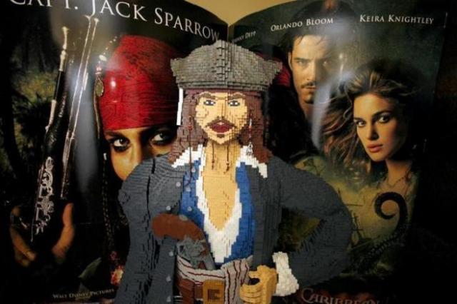 映画「パイレーツ・オブ・カリビアン」のヒットでアトラクションも人気の「カリブの海賊」=ロイター