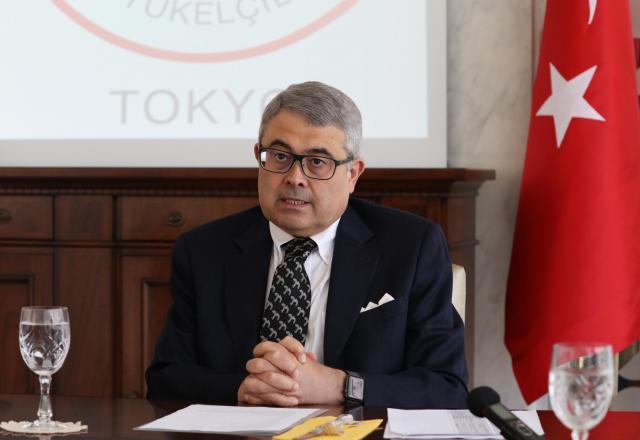会見で話すトルコのメリチ駐日大使=14日、東京都渋谷区