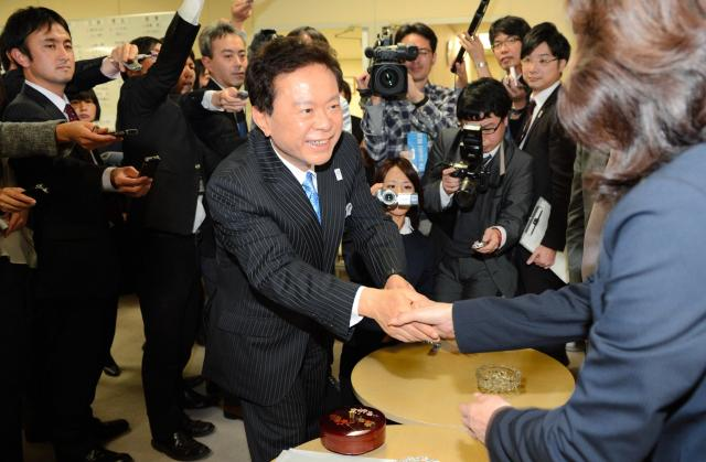 2012年の都知事選で圧勝した猪瀬直樹氏=2012年11月21日