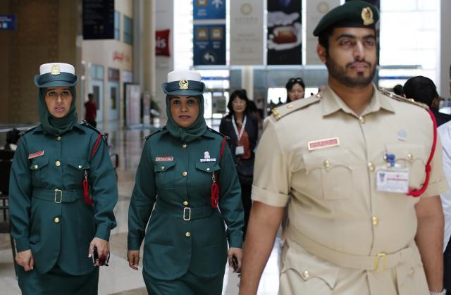 ドバイの警察官たち=2013年5月6日