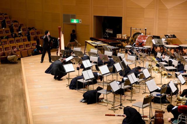 「地震」の発生に、演奏家も対応=2015年、水戸芸術館提供